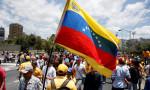 Venezuela'ya Fitch ve S&P'den kötü haber