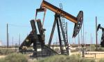 Petrol, sert düşüşün ardından kayıplarını korudu