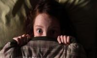 Evde yalnızken neden korkulur?