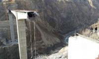 Türkiye'nin en büyük konsol viyadüklü köprüsü bir anda çötü