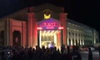 Serdar Ortaç da konser verecekti, mekan boşaltıldı