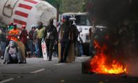 Göstericiler Chavez'in çocukluğunun geçtiği evi yaktılar
