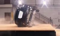 Tesla Model X, devrilme testini başarıyla geçti