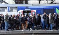 Fransa'da grev ve gösteriler büyüyor