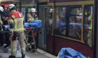 Berlin'de tren istasyonunda bıçaklı saldırı