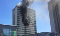 Londra'daki yangına 35 itfaiyeci müdahale ediyor