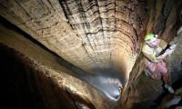 Dünyanın en derin mağarasına inmeyi başardılar