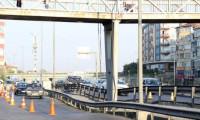 E-5'te köprü ayağı çöktü