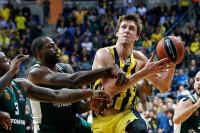 Fenerbahçe Doğuş Pana'yı 5 sayı farkla geçti