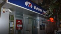 Bank Asya'da 'kedi' operasyonu