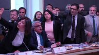 HDP'li milletvekilleri Anayasa Komisyonu'nu terk etti