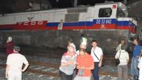 TCDD lokomotifi İZBAN vagonuna çarptı