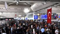 Havalimanında büyük izdiham