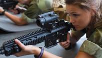 Kadınlara zorunlu askerlik geldi