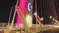 450 bin LED'le köprüde ışık şovu