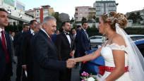Başbakan'dan düğün konvoyuna sürpriz