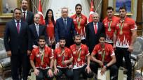 Cumhurbaşkanı Erdoğan, olimpiyat madalyalı sporcuları kabul etti