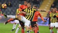 4 gollü gecede Fenerbahçe'ye büyük darbe