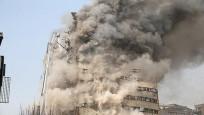 İran'da 17 katlı binanın yıkılma anı kamerada