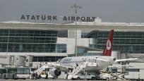 Atatürk Havalimanı'nda yarı yıl tatili kalabalığı