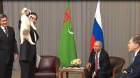 Putin'e yavru köpek hediye edildi