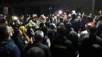 Ankara Büyükşehir Belediyesi önünde kadro eylemi
