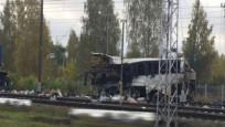 Moskova'da tren ile otobüs çarpıştı: En az 19 ölü
