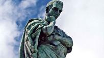 Ölümünden iki bin yıl sonra sürgün cezasına iptal