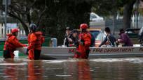 California'da evlerini su basan yaklaşık 200 kişi kurtarıldı