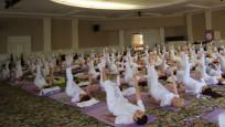 Yoga Festivali'nde renkli 'barış' görüntüleri