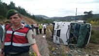 Rus turistleri taşıyan midibüs şarampole devrildi: 18 yaralı