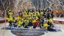 Fenerbahçe şampiyonluk kupasını aldı!