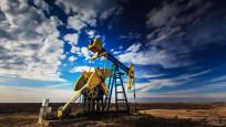 Petrol, ABD'de stokların azalmasıyla kazançlarını korudu