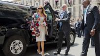 Melania Trump'ın ceketi dudak uçuklattı