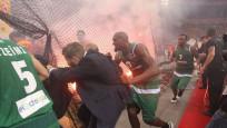 Pana, Olympiakos'un sahasında şampiyon oldu ortalık karıştı!