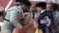 Ünlü matadorun boynuz darbeleriyle korkunç ölüm anı kamerada