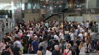 Atatürk Havalimanı yolcu yoğunlu altında