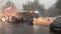 İstanbul'da sağanak sonrası birçok yeri su bastı