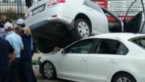 Bursa'da aksiyon filmlerindeki gibi araçlar birbirinin üstüne çıktı