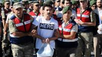 'Hero' tişörtü giyen sanığın avukatı tutuklandı