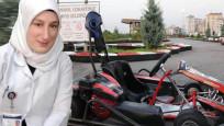 Go-kart aracına şalı dolanan hemşire ölümden döndü