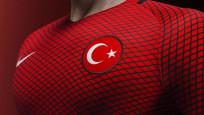 Avrupa'da top koşturan Türk futbolcular