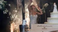 Düğüne gelenler şok oldu! Kendisiyle evlendi