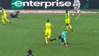 Futbolcuya çelme takan hakeme ceza