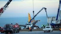 Trabzon'daki uçak kurtarılıyor