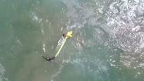 Dron iki genci boğulmaktan kurtardı