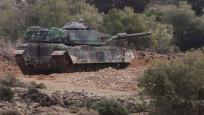 Tanklar vuruyor, teröristler kaçıyor