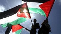 Filistin bayraklı tişört giyen gence gözaltı