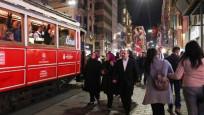 İki bakanın İstiklal Caddesi keyfi