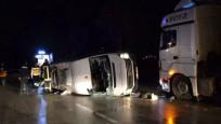 Çanakkale'nin Biga ilçesinde işçileri taşıyan minibüs ile TIR çarpıştı